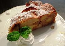 Jablkový koláč plný jablek