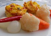 Květákové muffiny se šunkou a sýrem