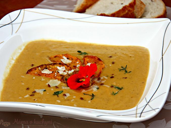 Pečená batátovo-dýňová krémová polévka