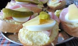 Chlebíčky s bramborovou pomazánkou