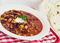 Zeleninová polévka po mexicku - s mletým hovězím, fazolemi a domácími tortillami
