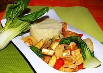 Kuskus se zeleninou a tofu