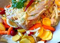 Pečené kotlety na česneku s hořčicí a zeleninou na bílém víně