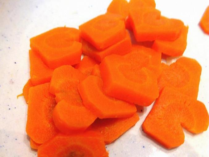 Rychlý zeleninový krém s provensálským rohlíčkem