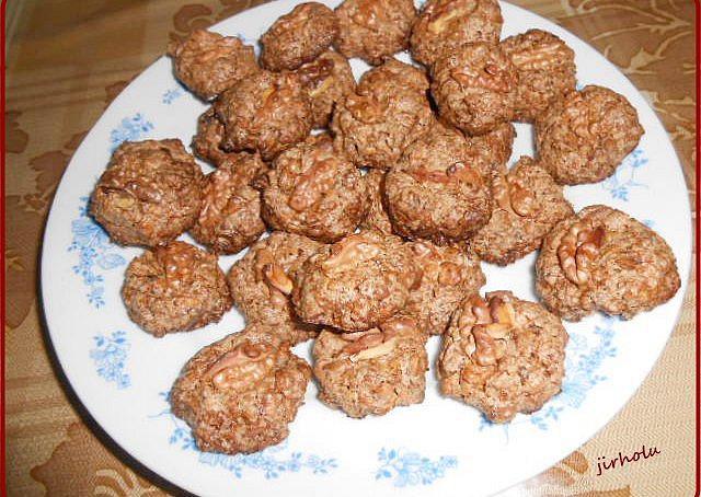 Bulharské ořechové cukroví,  Bulharské ořechové cukroví - upečené