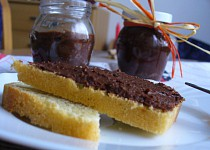 Datlovo-švestková pomazánka s čokoládou