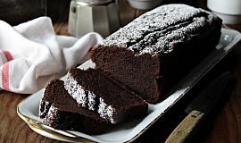 Kakaový chlebíček s černým česnekem
