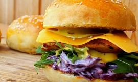 Kuřecí hamburger