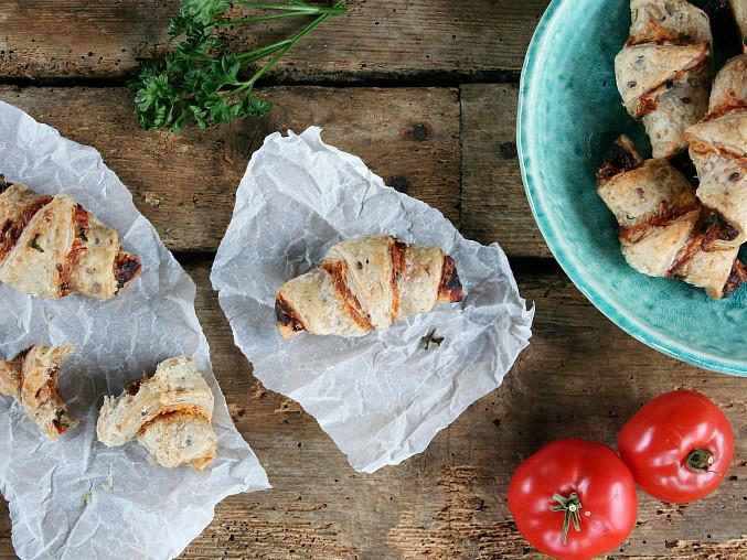 Parmezánové rohlíčky se sušenými rajčaty