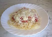 Špagety s párkovou směsí