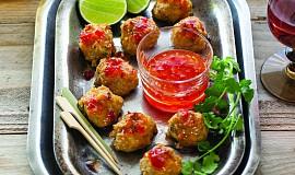 Thajské kuřecí masové kuličky ve sladké chilli omáčce