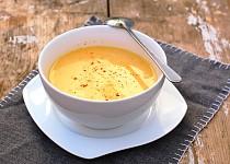 Dýňová polévka s kokosovým mlékem a chilli