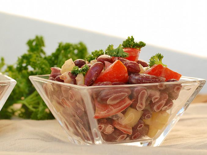 Fazolový salát se zeleninou