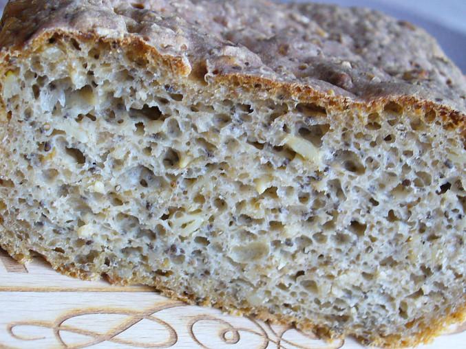 Kváskový chléb s chia semínky