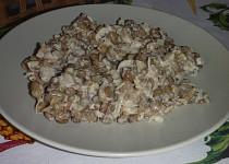 Salát z čočky a kysaného zelí