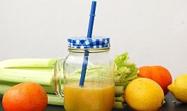 Smoothie s mandarinkou a celerem