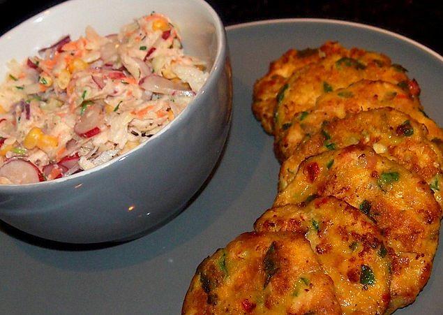 Kuřecí placky se salátem