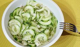 Okurkový salát s chilli