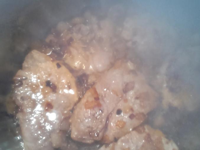 Vepřové plátky na slanině zahuštěné smetanou