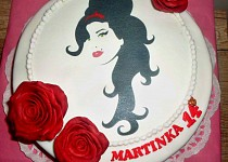 Dort s Amy Winehouse (Amy Winehouse cake)