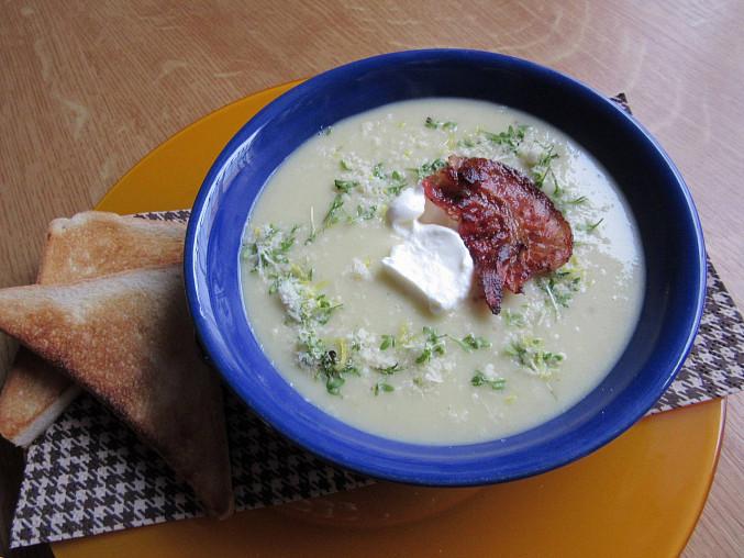 Krémová zelná polévka