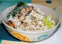 Těstovinový salát s tofu a čínskym zelím