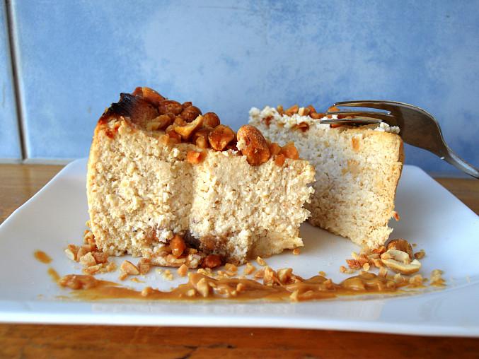 Bezlepkový  cheesecake z arašídového másla