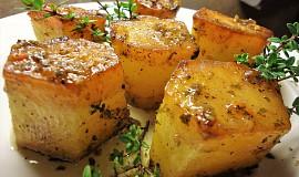 Pečené bramborové špalky s tymiánovým máslem