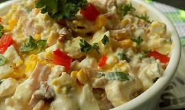 Hermelínový salát s Cottage, vejci a sušenými rajčaty