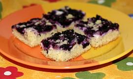 Linecký koláč s borůvkami a tvarohem