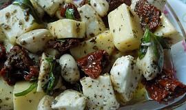 Marinovaná mozzarella