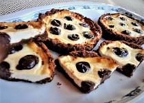 Puntíkované malé cheesecaky