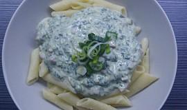 Sýrová omáčka se špenátem a šunkou