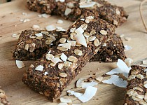 Kakaovo – kokosové müsli tyčinky s konopným proteinem