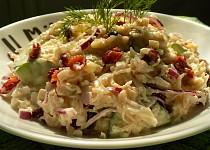 Salát z kysaného zelí s brusinkami