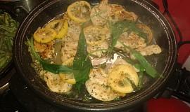 Svěží pepřovo-citronové kuřecí medailonky s fazolovými lusky