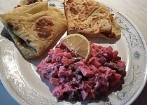 Vinigret po mém (salát z červené řepy) + lokše