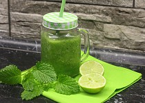Jarní vzpruha - zelené smoothie z mladého osení