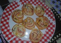 Pizza šneky z listového těsta