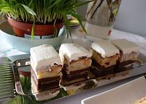 Sváteční pudinkový koláč z croissantů