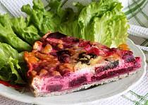 Pohankový koláč s červenou řepou
