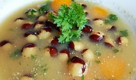 Fazolová polévka s Hraškou