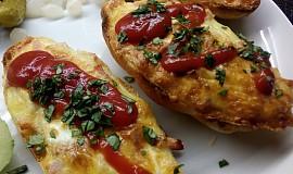 Housky zapečené se šunkou,sýrem a vejci