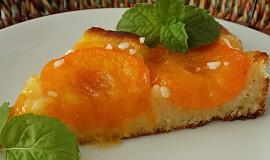 Koláč s glazovanými meruňkami