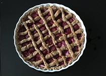 Špaldový koláč s tvarohem a jahodami