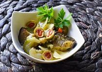 Těstovinový salát s pečenou zeleninou a sýrem