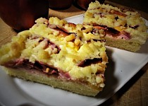 Křehký koláč s nektarinkami