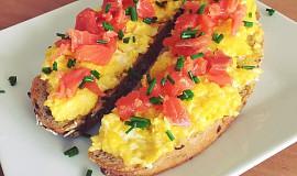 Míchaná vejce s uzeným lososem