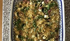 Zapečené těstoviny s cuketou a hráškem
