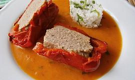 Cuketo - zeleninová omáčka s plněnými paprikami